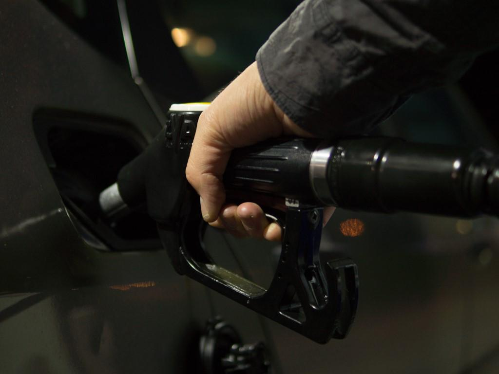 TINY LITTLE THINGS YOU CAN DO AS A DRIVER TO INCREASE THE FUEL EFFICIENCY OF YOUR VEHICLE